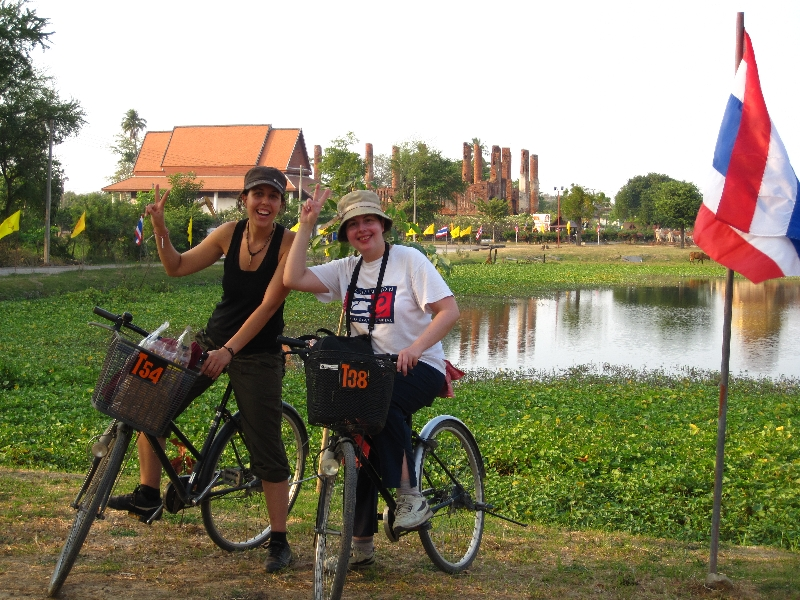 maria-and-sonia-biking-in-ayutthaya-thailand