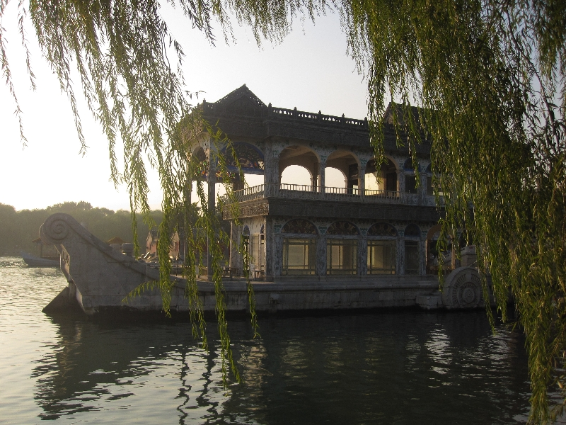 the-boat-of-stone-summerpalace