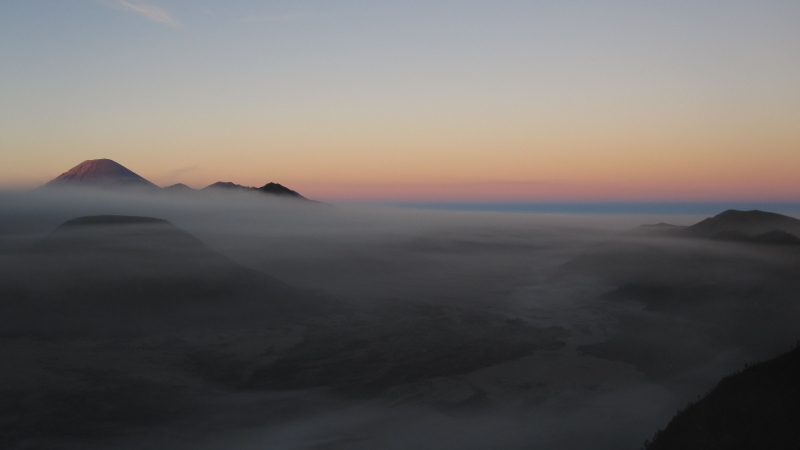 sunrise-at-mt-batok