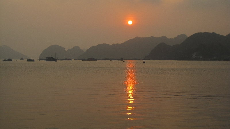 cat-ba-sunset