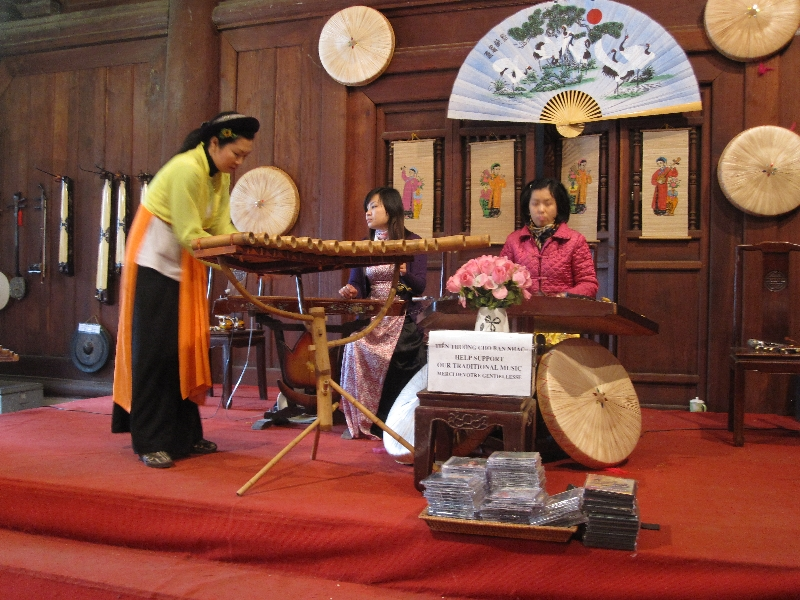 vietnamese-music-clapping-instrument