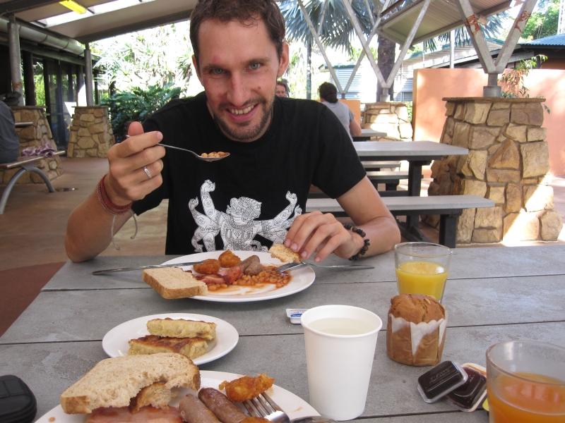 free-breakfast-at-the-gagudju-lodge-cooinda