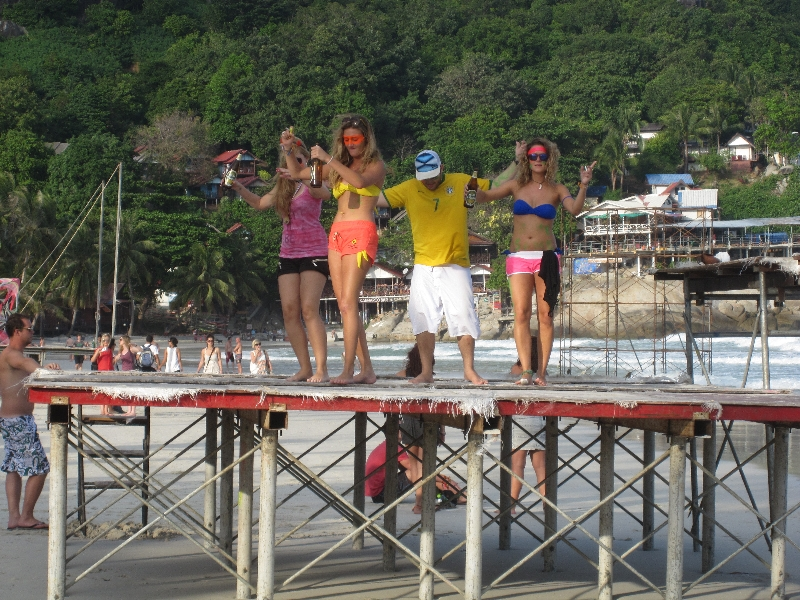 full-moon-party-starts-in-the-daytime