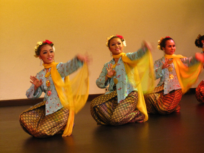 traditional-dance-in-malaysia