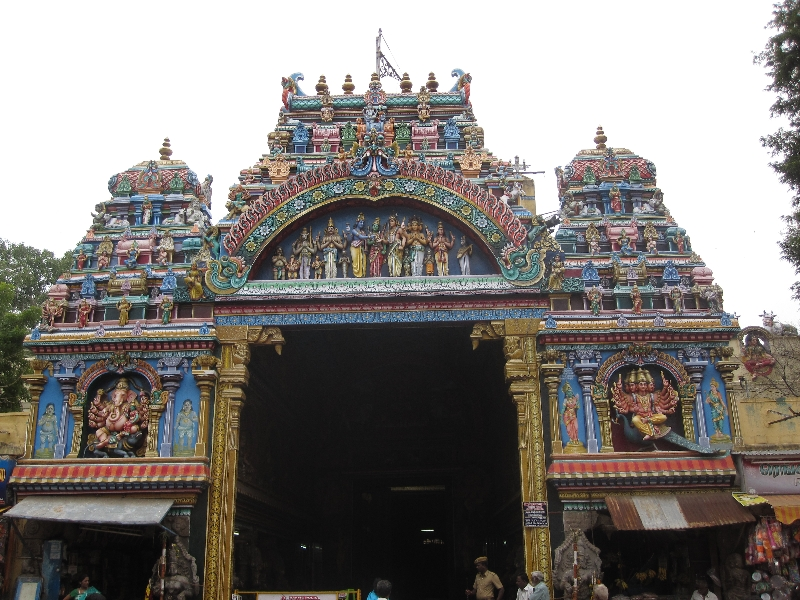 entrance-gate-to-sri-meenakshi-tempel