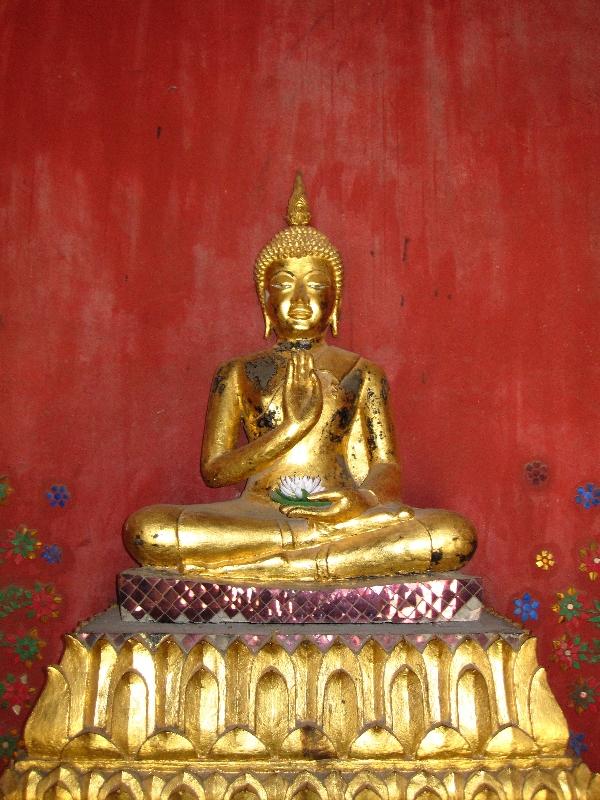 golden-buddha-statue