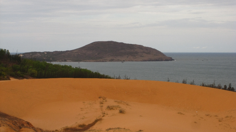 red-sand-dunes