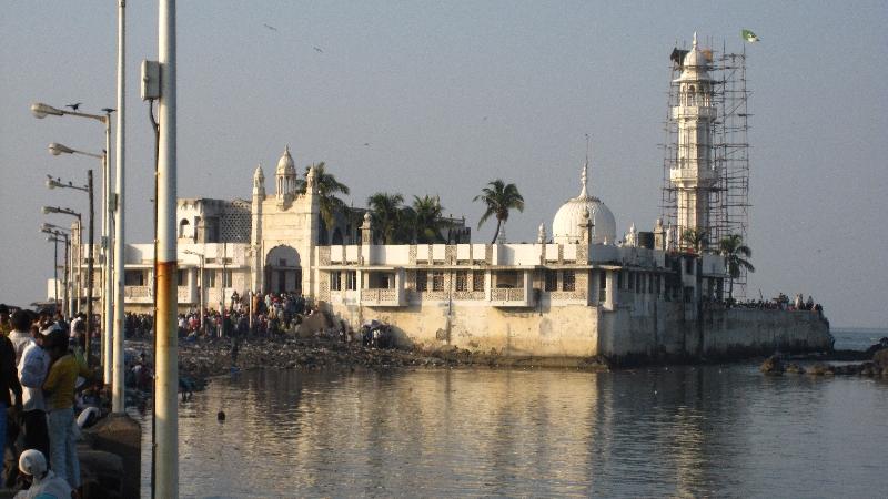 haji-ali-mosque