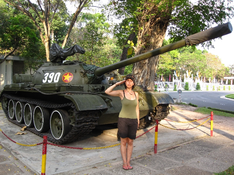major-seffar-in-front-of-a-vietnamese-tank