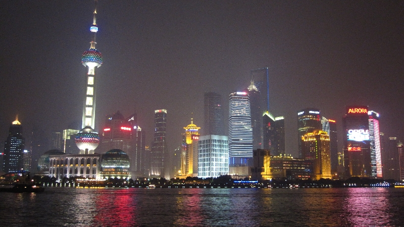 the-bund-view-to-pudong