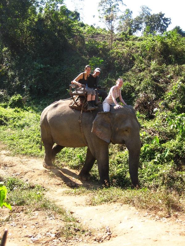 maria-and-bjoern-on-the-elefant
