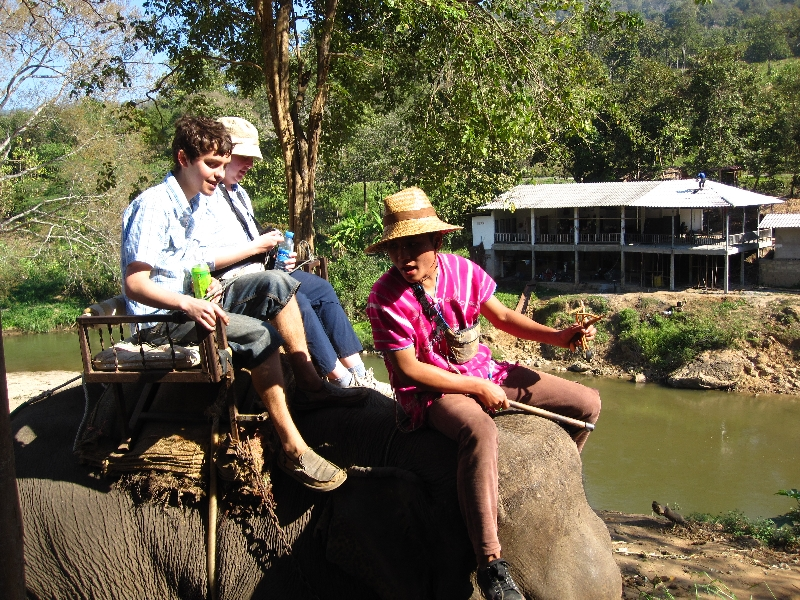 sonia-and-taylor-on-the-elefant