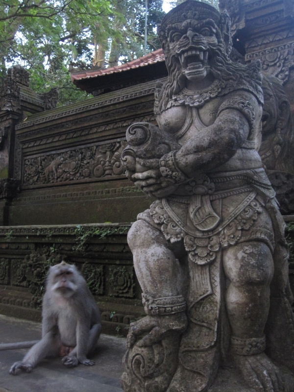 monkey-statue-and-the-model