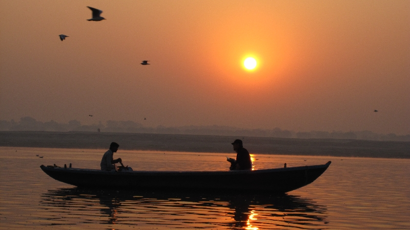 sunrise-at-the-ganges2