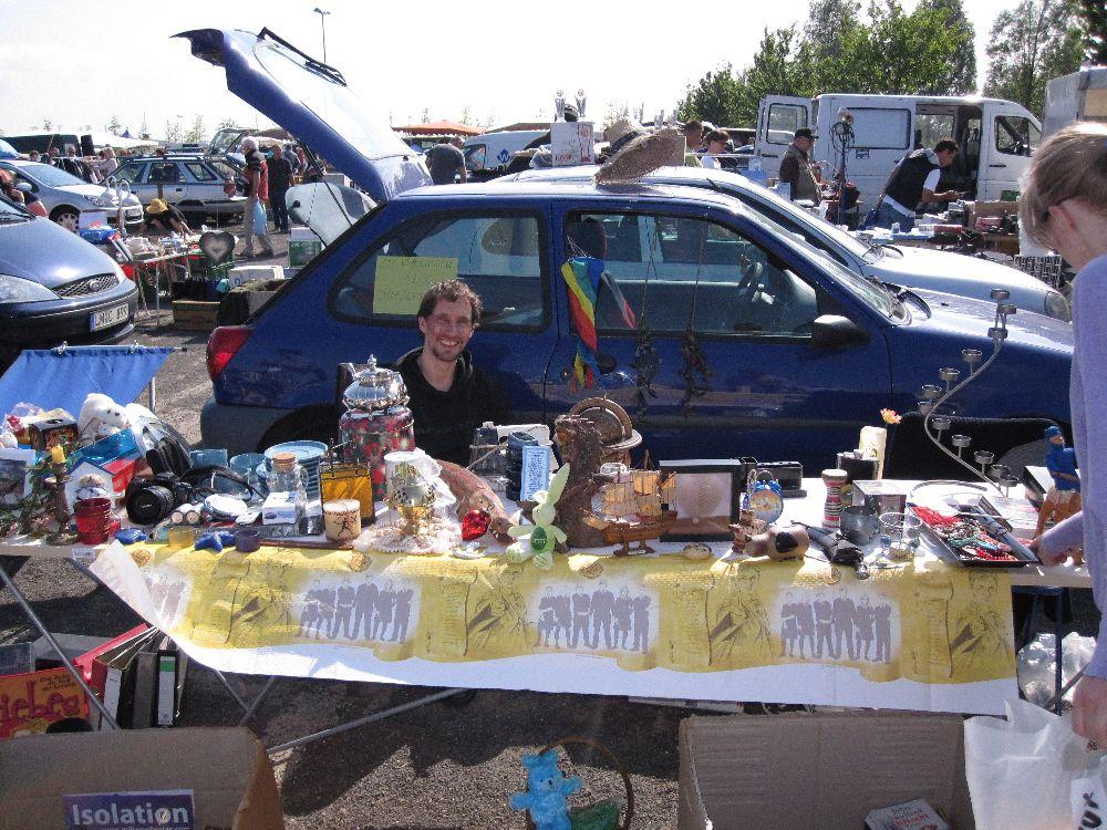 Weltreise-Geld verdienen: Flohmarkt