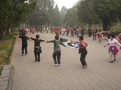 Die Chinesen lieben es gemeinsam zu tanzen