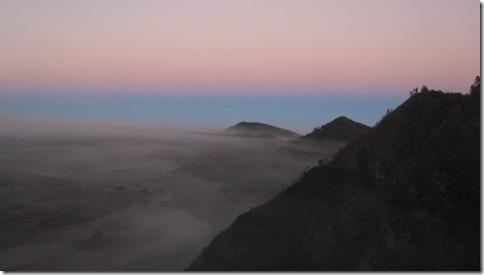 Sonnenaufgang über Bromo dem Vulkan
