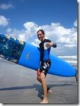 Björn und sein Surfbrett
