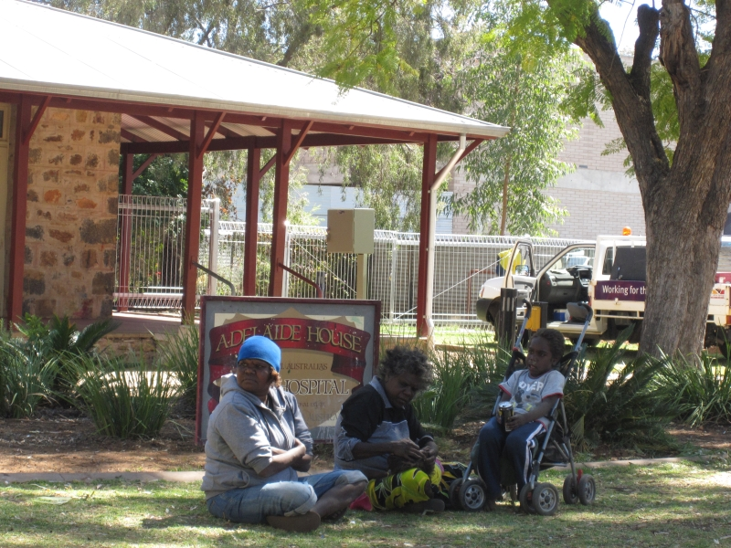 Aborigines in Alice Springs_Road Trip
